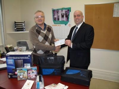 Génération Éducation fait un don de près de 2000$ à l'école Baril.